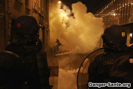 du gaz lacrymogène